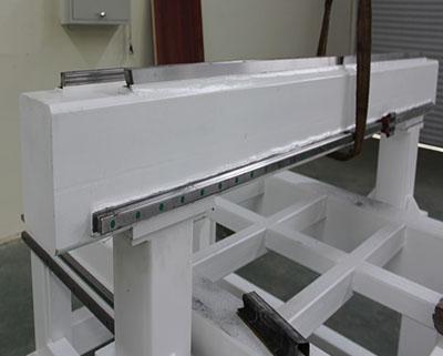 横梁导轨安装方式